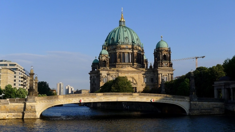 promenons nous sur les ponts de berlin vivre berlin. Black Bedroom Furniture Sets. Home Design Ideas