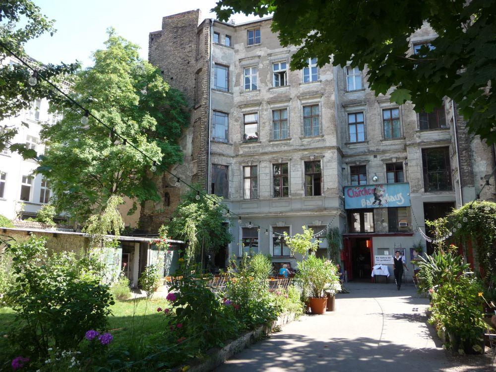 cl rchens ballhaus vivre berlin. Black Bedroom Furniture Sets. Home Design Ideas
