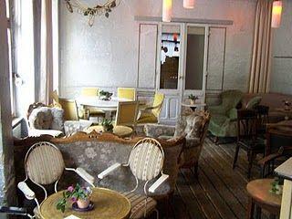 wohnzimmer vivre berlin. Black Bedroom Furniture Sets. Home Design Ideas