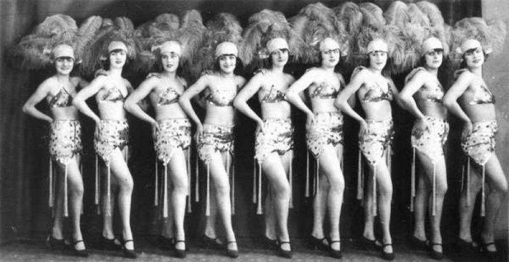 Tanzgirls des Damenballett Ehed Karina ; © AKG