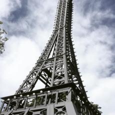 La Tour Eiffel devant le Centre Français de Berlin